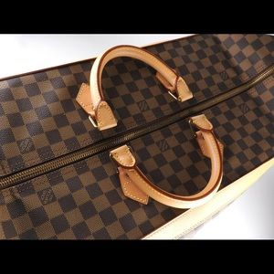 Louis Vuitton Bags - Authentic Like new limited edition cruiser 40